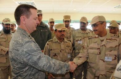 Arab Saudi Commander with US Commander